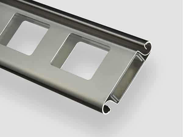 Industrie-Rolltor RT100 iso Fenster-Lamelle