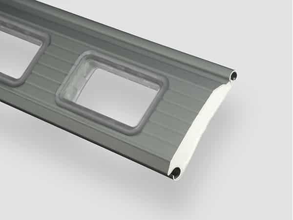 Industrie-Rolltor RT97iso Fenster-Lamelle