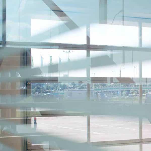 Industrietore mit Lichtbändern (Sichtsektionen)